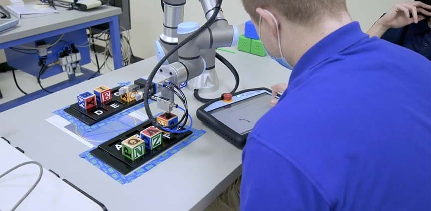 , Universal Robots RAMTEC Lab/UR Launches New Certifications for Schools/Industry, Ramtec of Ohio